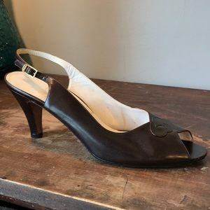 vintage Ferragamo brown Peep toe heels 10AA